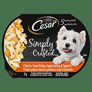 Nourriture humide pour chiens adultes CESAR SIMPLY CRAFTED poulet, patates douces, pommes, orge et épinards 37g