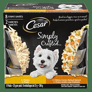 Nourriture humide pour chiens adultes CESAR SIMPLY CRAFTED poulet / poulet, carottes, orge et épinards 296 g (8 emballages)