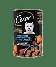 CESAR® Boites  NATURAL GOODNESS™ riche en Poulet, garni de patate douce, petits pois & canneberge