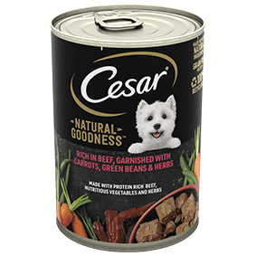 Cesar<sup>®</sup> Natural Goodness™ rich in Beef, garnished with Carrots, Green Beans and Herbs (400g can)